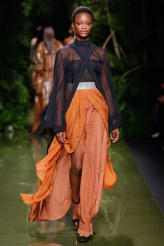 Balmain Spring 2017 Ready-to-Wear Fashion Show - Mayowa Nicholas (Elite)