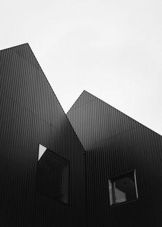 □ COBE | KIM HØLTERMAND
