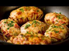 Héjában sült krumpli - jobb mint a pizza és sokkal könnyebb! | Ízletes TV - YouTube Chorizo, Pizza, Sauce Tomate, Mozzarella, Baked Potato, Chicken, Cooking, Ethnic Recipes, Food