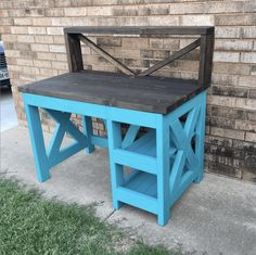 DIY Farmhouse Desk plans that will make your home office pop! Need an office farmhouse desk to spice up the home office? These DIY Desk Plans will make your office come to life. Woodworking Outdoor Furniture, Woodworking Furniture Plans, Woodworking Projects, Diy Farmhouse Table, Farmhouse Furniture, Hall Furniture, Furniture Ideas, Office Furniture, Farmhouse Office