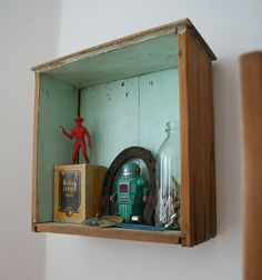 A drawer turned into hanging shadow box. Nice!