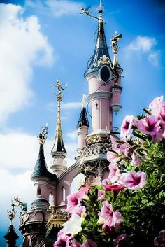 Disneyland Paris in spring. Sleeping Beauty's Castle.  #pariswithkids #glamorousfamilytravel #decorateurchic