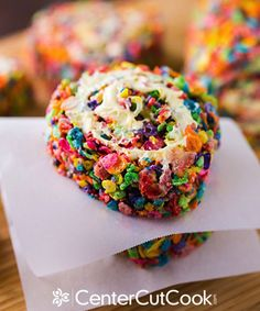 Unexpected Cereal Uses - 20 Crazy Delicious Ways to Use Cereal - Cosmopolitan - Rainbow Rice Krispy Pinwheels - SO PRETTY