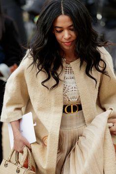 New York Fashion, Paris Fashion, Cool Street Fashion, Street Style, Healthy Style, Maxi Coat, Velvet Fashion, Brown Girl, Teen Vogue