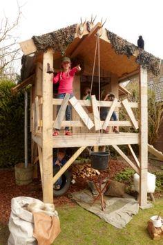 Superb Ben je op zoek naar een speelhuis voor in de tuin die ook nog grotere kinderen