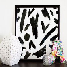 Create art for your home. Try this simple ampersand using a black