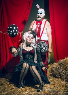 Mlle Chèvre, Myllady'sCloset of Madness and Painkiller Penny MUA artist - Cirque Macabre 3 Scary Couples Costumes, Circus Halloween Costumes, Scary Clown Costume, Halloween Makeup Clown, Circus Costume, Creepy Clown, Carnival Costumes, Halloween Outfits, Halloween Ideas