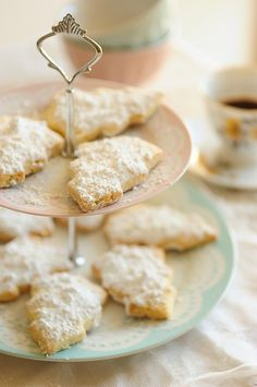 Shortbread Christmas cookies (add sunflower seeds as a substitute)