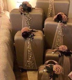 Wedding Gift Hampers, Wedding Gift Boxes, Wedding Bag, Desi Wedding Decor, Wedding Crafts, Diy Wedding Decorations, Bridal Gift Wrapping Ideas, Creative Gift Wrapping, Creative Wedding Gifts