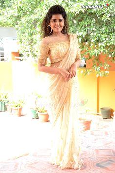 Beautiful Girl Image, Beautiful Birds, Anupama Parameswaran, Saree Photoshoot, Stylish Sarees, Cute Girl Poses, Malayalam Actress, Tamil Actress Photos, Telugu Cinema
