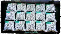 """Mais almofadinhas """"pinte e lave"""" saindo do forno. E dessa vez para o aniversário da princesa Clara 💜😙🎉. #artesanato #presente #festainfantil #princesamoana #disney #criancas #meninos #meninas #brinquedo #criativo #personalizado #feitocomcarinho #paramamaes #pinteelave #almofada #festa #party #kids #moana🌺"""