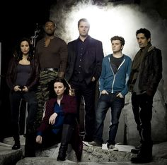 24.jpg (1600×1587) Continuum Season 1 cast -  Lexa Doig, Roger Cross, Victor Webster, Erik Knudsen, Stephen Lobo and Rachel Nichols