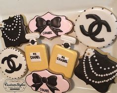Custom Chanel sugar cookies with royal icing. Order includes:  -3 circle cookies with logo -3 bow cookies -3 necklace cookies (personal message