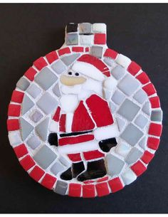 Make this jolly time of the year jollier by getting everyone around a DIY Christmas 2019 project. Create memories and memorable art that transcends generations! Mosaic Vase, Mosaic Diy, Mosaic Garden, Mosaic Crafts, Mosaic Projects, Mosaic Tables, Christmas Mosaics, Christmas Art, Christmas Ornaments