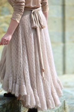 Knitting- gorgeous dress. Actual link here (page in Russian.) Too pretty not to pin
