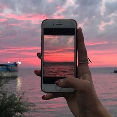 ☆ Pinterest: @HAUNTEDLAND ☆ Pretty Sky, Beautiful Sky, Pretty Photos, Beautiful Pictures, Sky View, Foto Instagram, Sky Aesthetic, Sunset Sky, Picture Captions