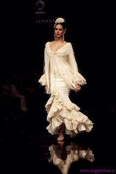 El mejor traje de flamenca que he visto en mi vida. Simof 2011