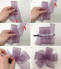 Your Daily Tidbit: Bow-dacious - Salvabrani Diy Hair Bows, Making Hair Bows, Diy Bow, Diy Ribbon, Ribbon Crafts, Ribbon Bows, Wreath Bows, Ribbons, Diy Flowers