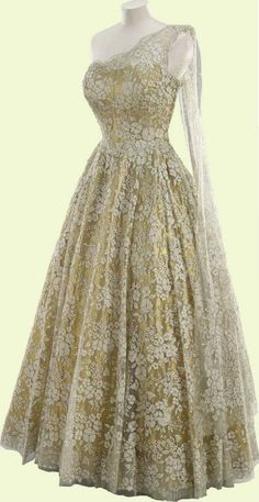 Formal Gown, Norman Hartnell: 1953, lamé, lace oh man y'all this dress is gorgeous!