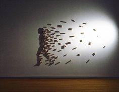 """""""Light and Shadow"""" est une superbe série de sculptures à base de lumière et d'ombres, imaginées par l'artiste japonais Kumi Yamashita, basé à New-York. Ch"""