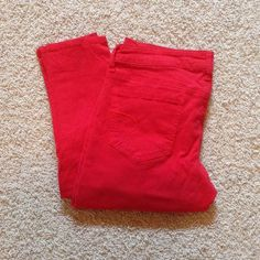 AE Jeggings Add a pop of color to your wardrobe with these very comfortable red jeggings! Excellent condition. Barely worn. Open to offers. American Eagle Outfitters Jeans Skinny