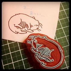 "@mumin0515's photo: ""暑さでハムスターもぐったりはんこ。 ぺすかさんのコラボほるナビを使いました。 #handmade #stamp #animal"""