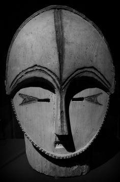 Amadeo Modigliani: http://en.wikipedia.org/wiki/Amedeo_Modigliani