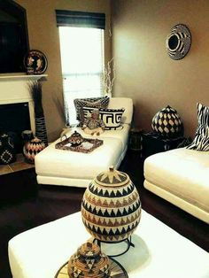 home decor inspiration Mix of African patterns and details - African home decor pattonmelo African Living Rooms, African Room, African Themed Living Room, Living Room Designs, Living Room Decor, Bedroom Decor, Decor Room, Bedroom Ideas, Wall Decor