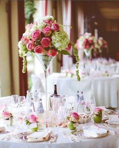Matrimonio.it | #Centrotavola di #fiori rosa e verdi per #matrimonio romantico Hotel Villa Condulmer