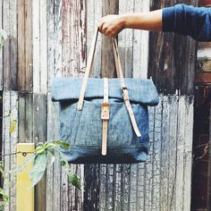 These bags made in the USA give 25 hours of classroom learning to students. Can your bag do that? | Courtesy of @stoneandcloth  Tag a bag lover. #Kehko Re-post by Hold With Hope