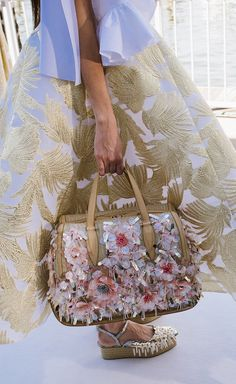 Delpozo Spring Summer 2016  Wow this purse is amazing!  I'm tempted to convert an old purse into something like this.