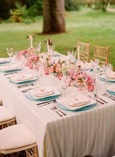 Decoração de casamento azul e rosa.