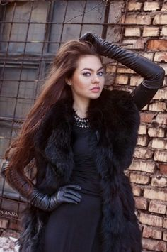 Photography, fetish, fashion, leather, latex and. lots of gloves Gloves Fashion, Fur Fashion, Leather Fashion, Long Gloves, Women's Gloves, Ladies Gloves, Elegant Gloves, Women Church Suits, Black Leather Gloves