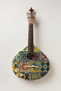 Guitarra clássica para tocar o Fado....