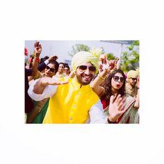 Yellow-ing around!  #ragbdiaries #bhaikishaadi #weddingfun #indianwedding #ethnic #yellow #dancing #sisterlove #baraat #danceallday #colourful #hue #somuchsun #summer #indianwear #shadesofyellow #lovelife #lifeisfun #matchmaker #turban #pagdi Reposted Via @ragb27