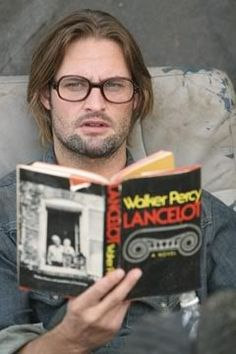 Josh Holloway (as Sawyer on 'Lost') reading - Plus, 14 other Hot Celebrity Guys Reading Books - Blog entry from Story Crush.