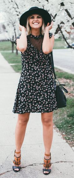 #spring #outfits  Black Hat & Black Printed Dress