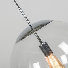 Lámpara colgante BALL 40 transparente cromo - Fantástica lámpara con diseño intemporal que dará un ambiente elegante y atractivo a su hogar, oficina o lugar de trabajo. Este modelo está en diferentes tamaños y colores, para poder hacer combinaciones y crear composiciones dinámicas. Para darle un acabado más atractivo puede colocar bombillas decorativas, como la que se muestra en la imagen.