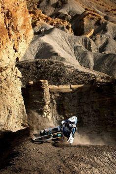 Shredding downhill #mtb #mountainbike