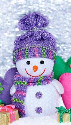 Cute snowman wallpaper by - - Free on ZEDGE™ Snowman Wallpaper, Merry Christmas Wallpaper, Merry Christmas Pictures, Holiday Wallpaper, Winter Wallpaper, Christmas Greetings, Cute Snowman, Snowman Crafts, Christmas Snowman