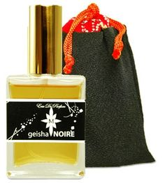 Geisha Noire Aroma M for women - The fragrance features sandalwood, tonka bean, black amber and vanilla.