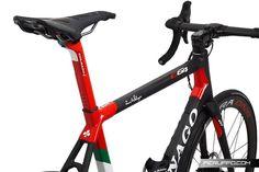 Colnago C64 UAE Emirates Disc 2019 - BDC C64 UAE Emirates Disc 2019 Road Bike, Boruto, Uae, Bicycle, Hs Sports, Biking, Bike, Bicycle Kick, Road Racer Bike