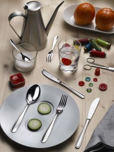 UNO- Uno cutlery for a creative mise en place  #Pintinox #posate #cutlery #everyday #miseenplace #Uno #sew #buttons #needle #thread