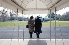 President Obama and First Lady Michelle Obama departs the White House,1/12/2010.