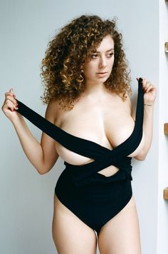 Picture of Leila Lowfire Black One Piece, True Beauty, Redheads, Beauty Women, My Girl, Curvy, Beautiful Women, Actresses, Sexy