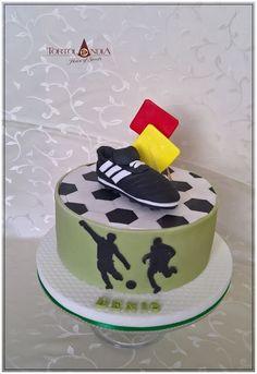 Football cake by Tortolandia