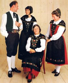 Traditional Italian Clothing Related pictures images for italian, traditional italian dress