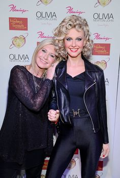 Olivia Newton-John poses side-by-side with her brand new Madame Tussauds Hollywood wax figure at the Flamingo Las Vegas on August 2014 (Photo by Denise Madame Tussauds, John Travolta, Janis Joplin, Olivia Newton John Grease, Grease Movie, Grease 1978, Divas, Celebrities Then And Now, Wax Museum