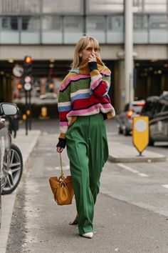 London Fashion Week Fall 2019 Street Style Day 2 - Looks , Italian Street Style, European Street Style, Autumn Street Style, Street Styles, Street Chic, Dublin Street Style, Summer Street, London Fashion Weeks, Inspired Outfits