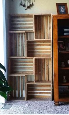 50 Amazing DIY Bookshelf Design Ideas for Your Home - Bücherregal Dekor Diy Bookshelf Design, Crate Bookshelf, Wood Bookshelves, Bookshelf Ideas, Vintage Bookshelf, Crates On Wall, Bookcase, Bookshelves In Bedroom, Milk Crate Shelves